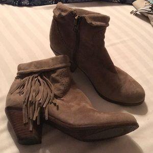 """Sam Edelman """"Louie"""" tan suede boots. Size 6 1/2"""